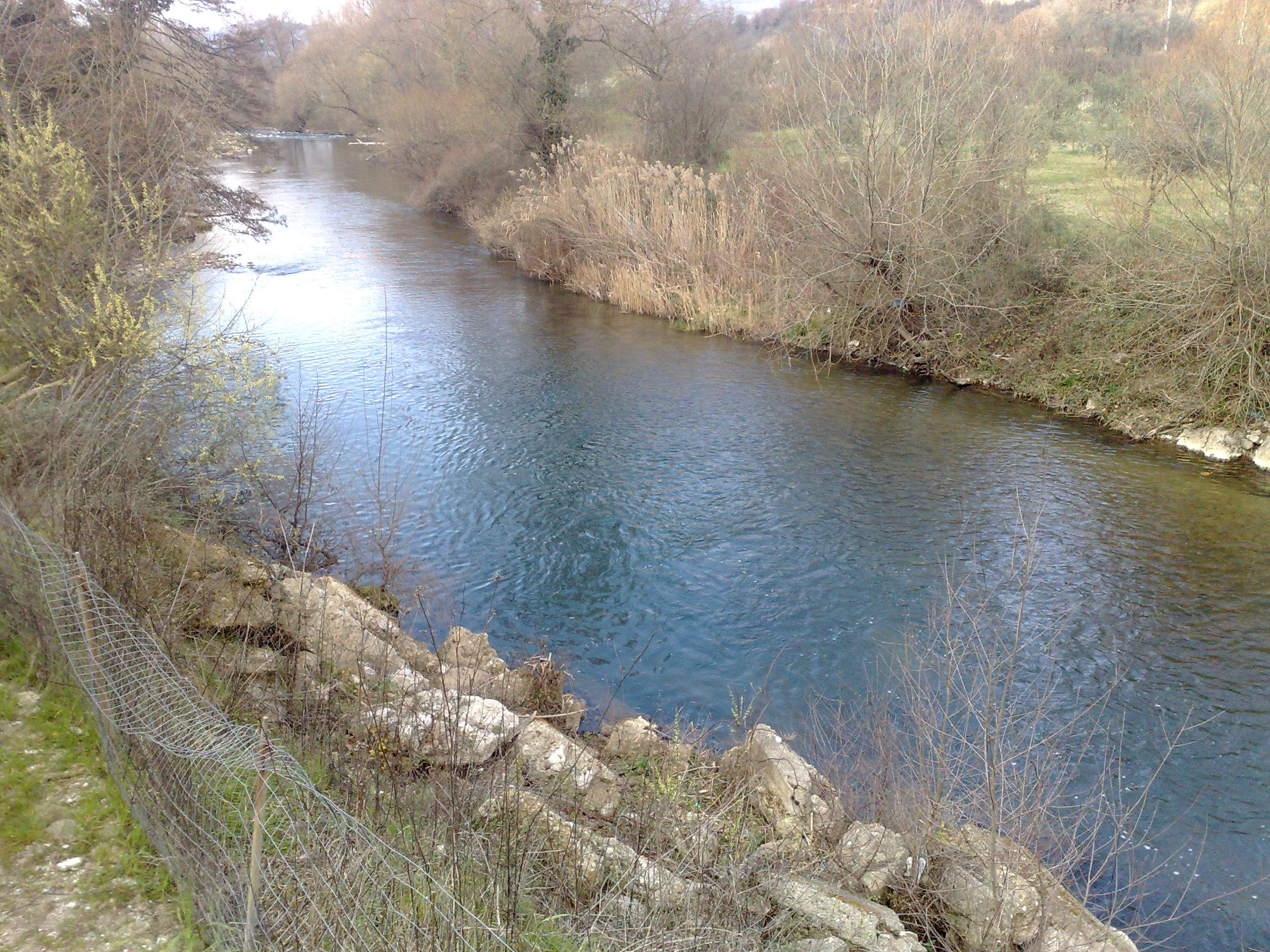 Scorcio del fiume nei pressi del Ponte degli Inglesi nel territorio di Auletta